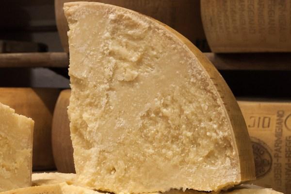 Parmigiano Reggiano 36 mesi ottavo di forma