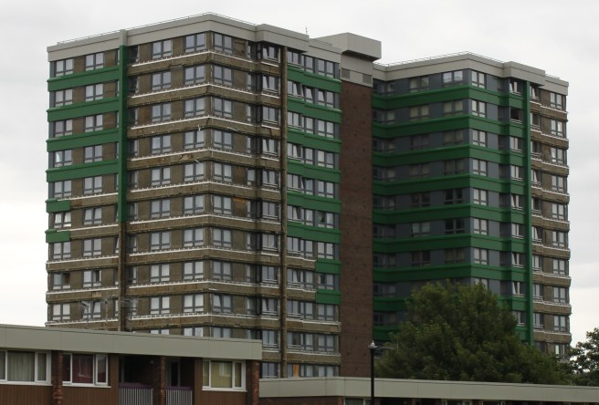 Tower_block_with_cladding_exposed_in_Sheffield_2017