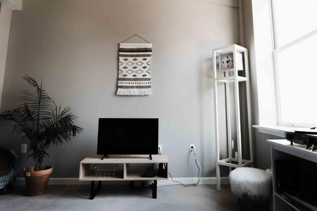 comment peindre son meuble tv en bois