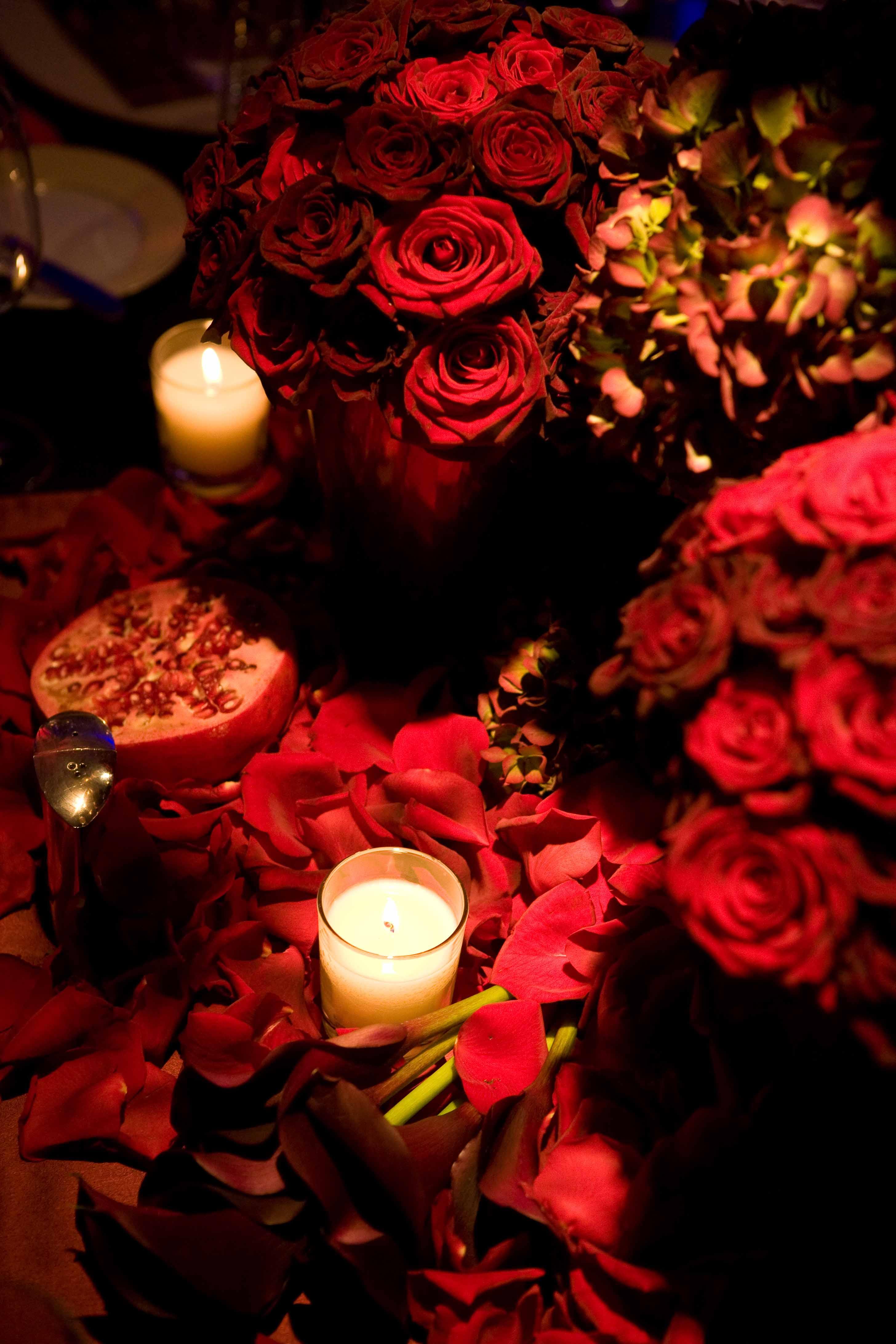 Décoration florale d'une table romantique