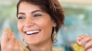 Want to make that smile sparkle? We've got tips for choosing foods that naturally whiten and brighten your grin.