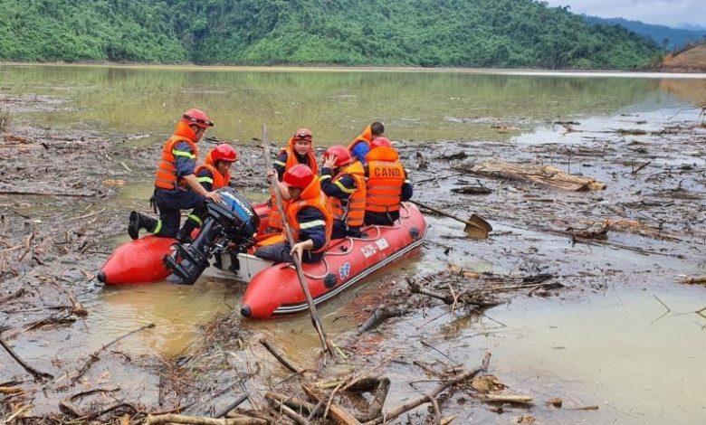 ဗီယက်နမ်မှာ ရေကြီးမြေပြိုမှုတွေကြောင့် လူပေါင်း (၇၀)ကျော်သေဆုံး