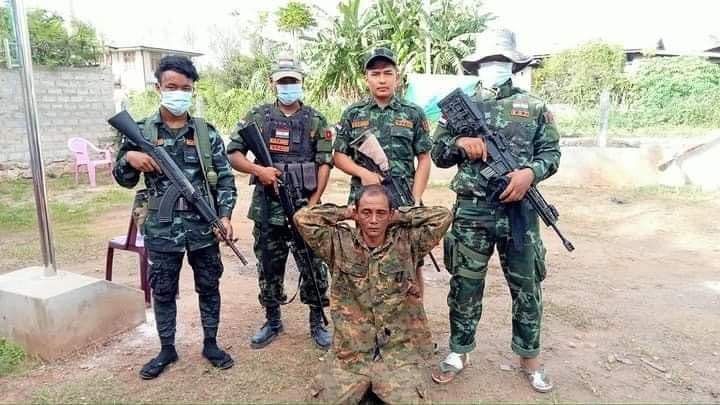 စစ်အုပ်စုရဲ့ ဒုတပ်ကြပ်တစ်ဦးကို KGZ ဖမ်းဆီးရမိ