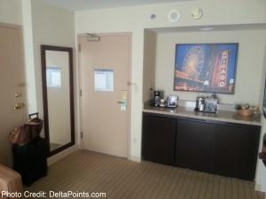 SPG Sheraton Elk Grove King room Club floor Delta Points blog (1)