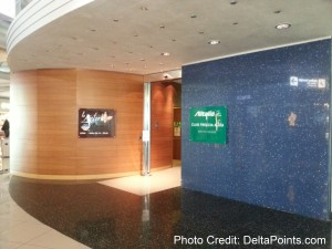 entrance to Giotto lounge concorse g rome italy delta points blog