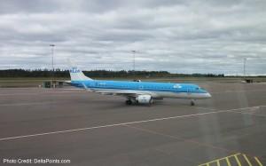 klm cityhopper erj-190 jet gothenburg sweden to amsterdam delta points blog
