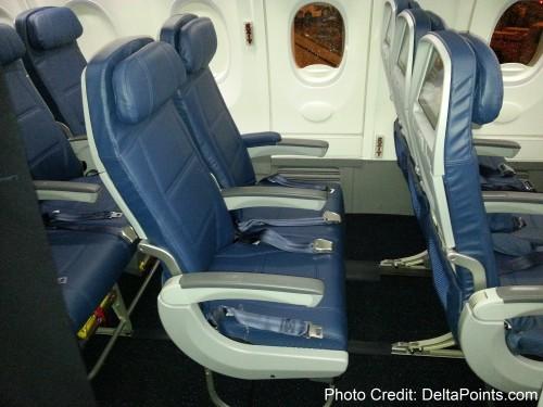 Delta Air Lines 737-900ER photos delta points travel blog (11)