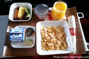 cold breakfast delta CRJ900 Delta Points mileage run to hawaii (8)
