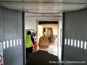 standing in jet bridge YYZ no power united jet delta points blog