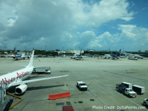 nice view of jets VIP Lounge MIA airport delta points blog