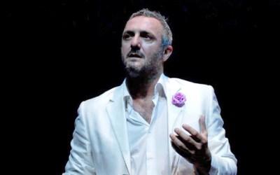 "Giovanni Franzoni in ""Caro George"""