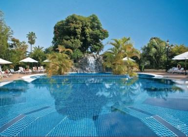 outdoor-pools