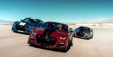 ford-shelby-gt500-2020-cobra-mustang-auto-deportivo-muscle-car-frente-pista-azul-rojo-gris