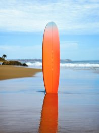 ON THE BEACH_SURFBOARD 01