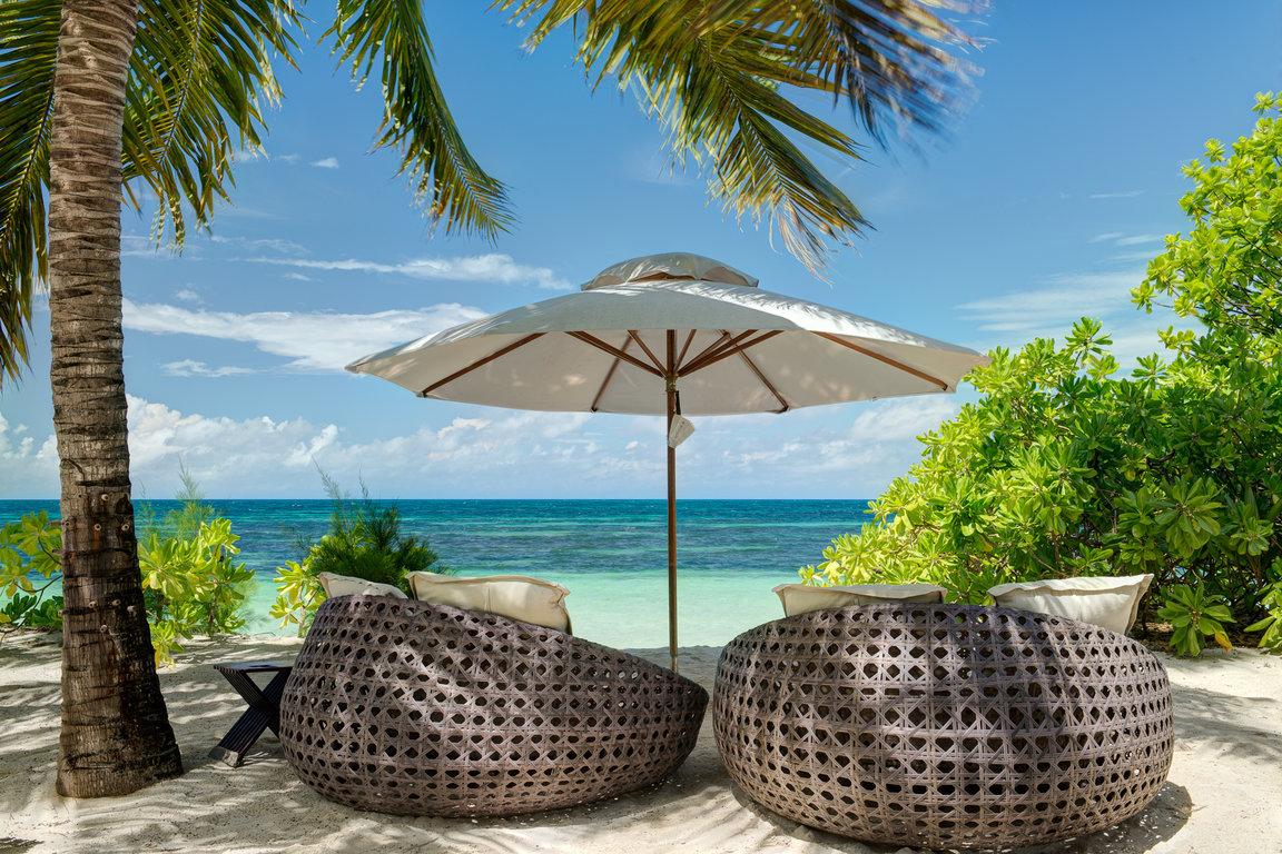 Book Here The Desroches Island Resort
