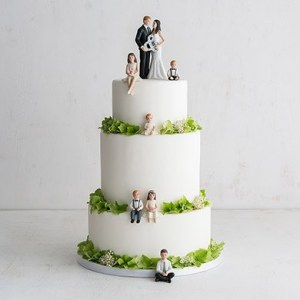 15 Meaningful Wedding Cake Toppers For Your Wedding Family Wedding Cake Topper