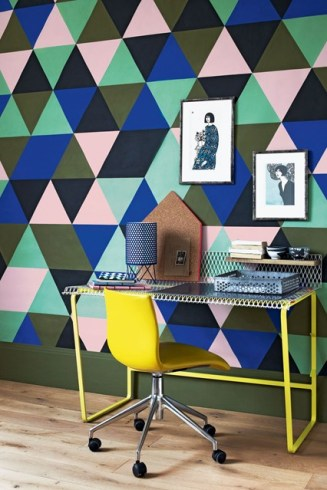 Photo Source: http://www.houseandgarden.co.uk/interiors/feature-wall-ideas/paint-harlequin-pattern