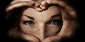 woman-heart-and-eyes-e1452497074558