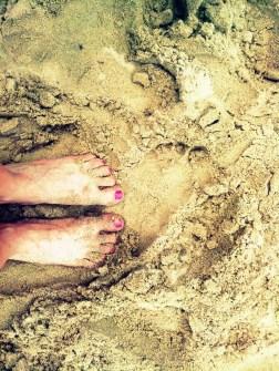 beach playa feet foot pies mujer woman caribe venezuela choroni chuao sand arena