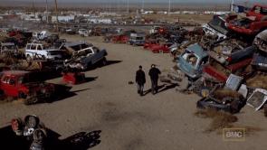 Walt escoge un desguace para realizar su primera gran venta