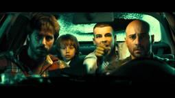 El inicio del film supone una trepidante huida hacia Francia en taxi tras atracar un 'Compro Oro'
