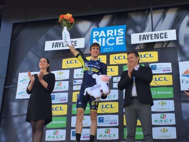 Simon Yates gana la sexta etapa de la París - Niza