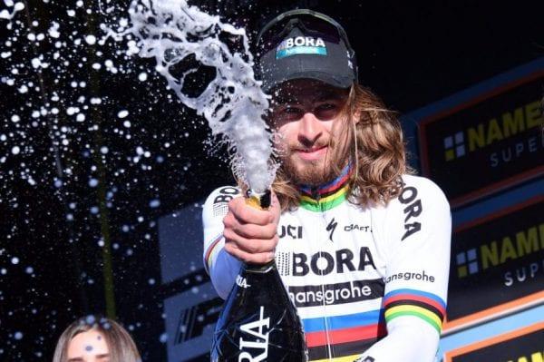 Sagan celebrando la victoria en Tirreno - Adriático