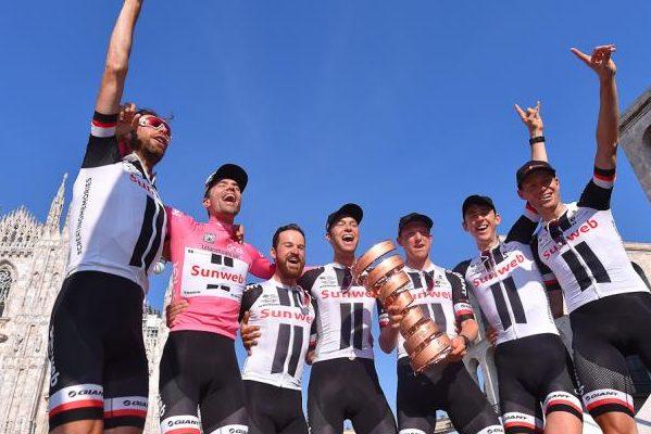 Sunweb celebrando la victoria de Tom Dumoulin en el Giro de Italia