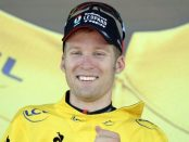 Jan Bakelants vestido de amarillo en el Tour de Francia