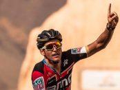Greg Van Avermaet ganando la tercera etapa del Tour de Omán