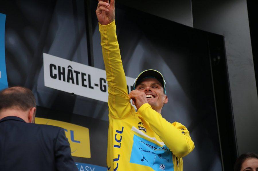 Luis León Sánchez con el maillot de líder de la París - Niza