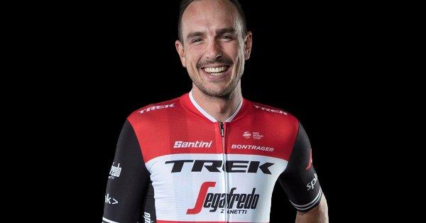 el-nuevo-maillot-de-los-equipos-trek-segafredo-004