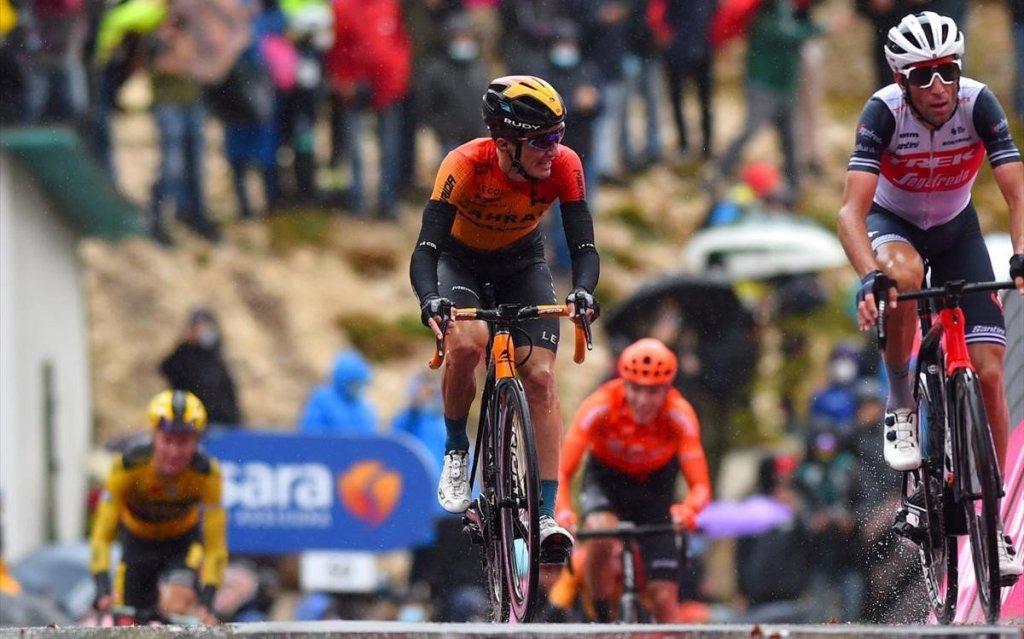 Pello Bilbao y Vincenzo Nibali en el Giro de Italia