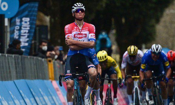 Mathieu Van Der Poel en Tirreno - Adriático
