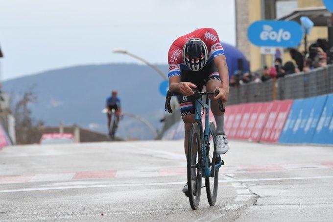 Van Der Poel gana la 5 etapa de la Tirreno - Adriático