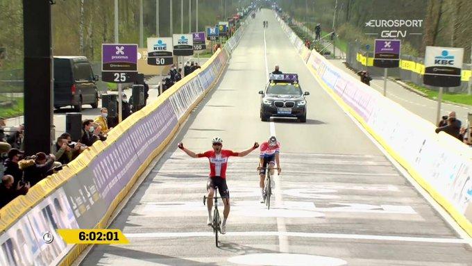 Kasper Asgreen gana el Tour de Flandes