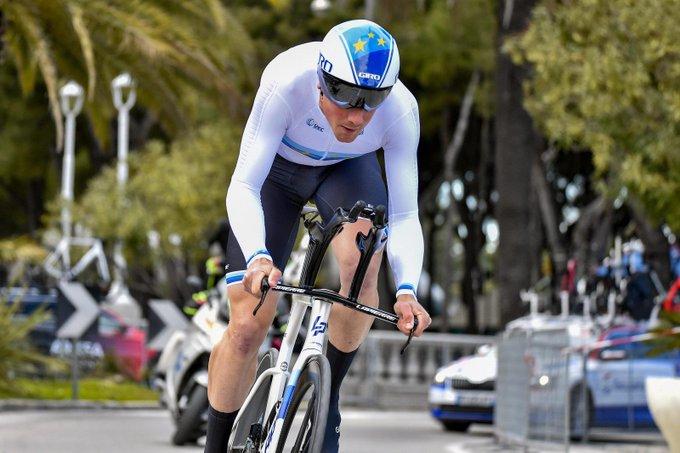 Stefan Küng gana la crono de la Volta a la Comunitat Valenciana