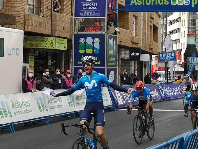 Héctor Carretero gana la segunda etapa de la Vuelta a Asturias