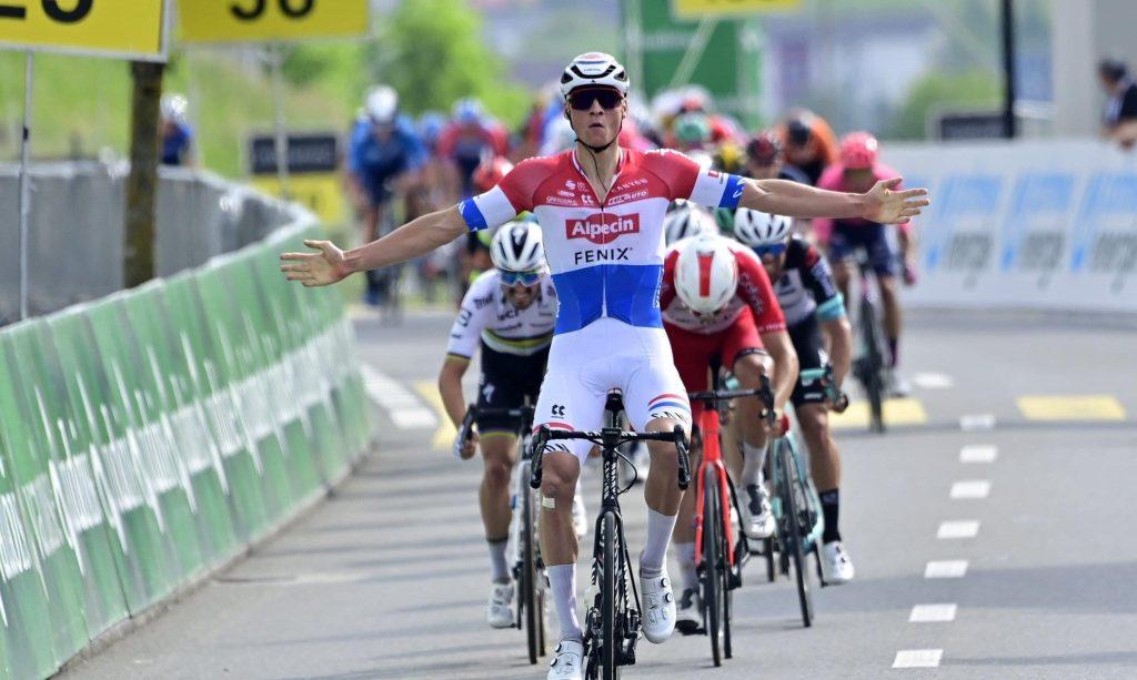 Mathieu Van Der Poel gana la segunda etapa del Tour de Suiza