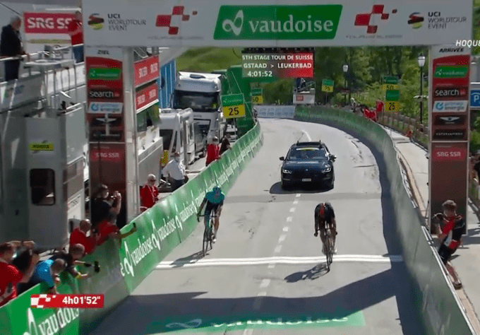 Richard Carapaz gana la 5ª etapa del Tour de Suiza