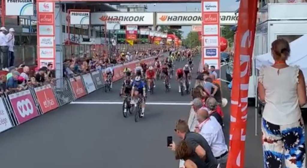 Fabio Jakobsen gana la segunda etapa del Tour de Valonia 2021