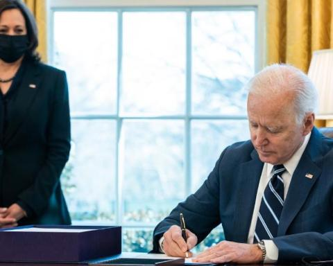 Biden signs American Rescue Plan