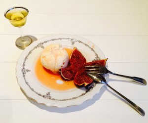 sinaasappelroomijs met kaneel en verse vijgen