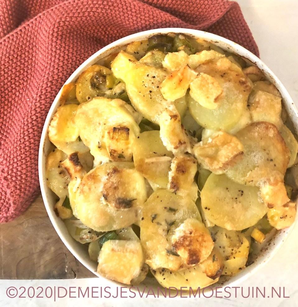 gegratineerde aardappelen en prei
