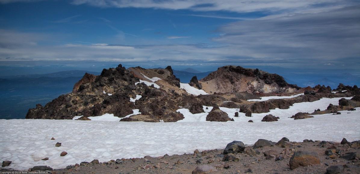 Lassen Peak: volcanic rocks around the summit