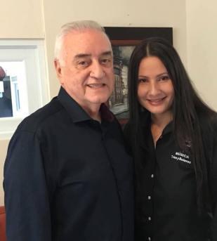 Iris junto hermano de Felipe La Voz Rodríguez