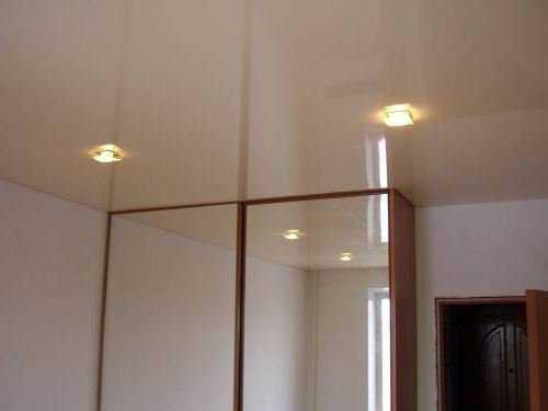 Шкаф купе потолок натяжной – Шкаф-купе и натяжной потолок ...