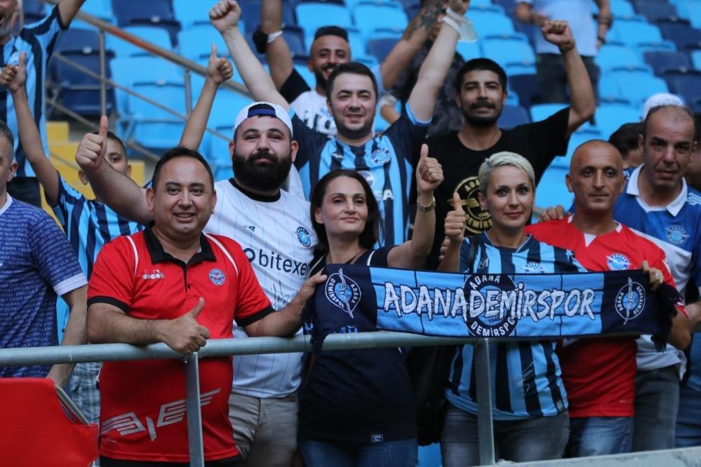 Adana Demirspor taraftarı ile beraber kupasına kavuştu 1 – 218571899 2072730016212081 717074039374485651 n