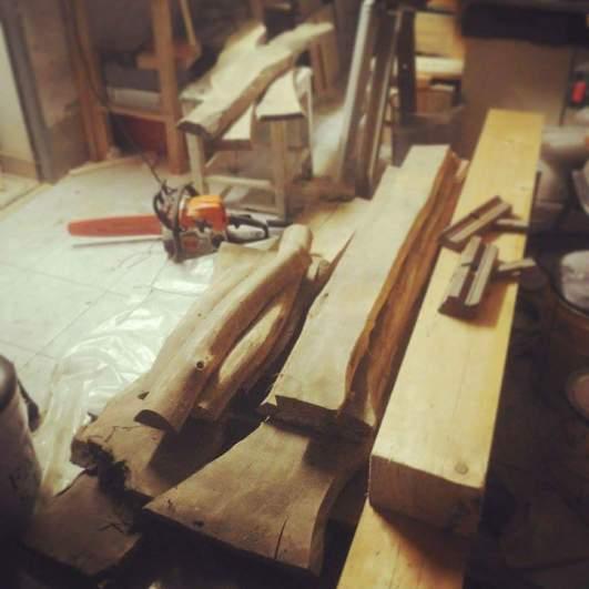 50 Jahre getrocknetes, unbesäumtes Holz.