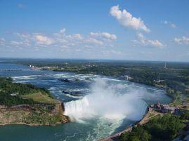 """Canadian Horseshoe Falls with Buffalo in background"" by Ujjwal Kumar - Wikipedia"